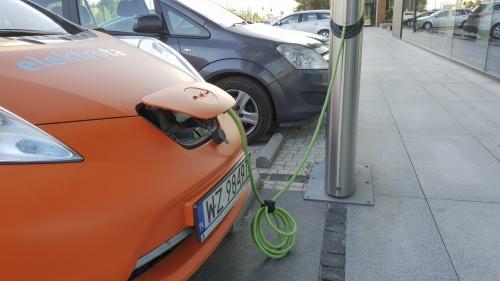 Jest rozporządzenie w sprawie dopłat do elektryków, ale…